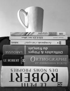 pile de livres sur la langue française